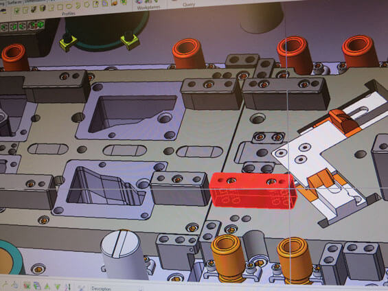Designing tooling dies in 3D
