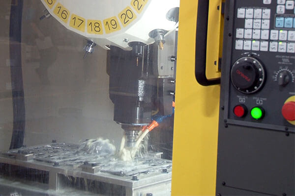 Precision and quick drilling and tapping with the RoboDrill